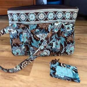Lot # 175 Beautiful Original Vera Bradley Purse & Wallet