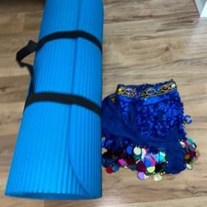 Lot # 178 Zumba Skirt & Yoga Mat