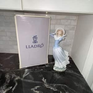 Lot # 210 Vintage Retired 1974 Lladro SPRING BREEZE #4936 w/ Box