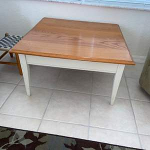 """Lot # 230 Nice Coffee Table 32"""" Square"""