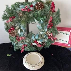 Lot # 285 Christmas Wreath & Longaberger Candle Plate