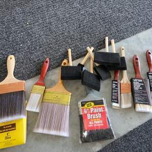 Lot # 305 New Paint Brushes