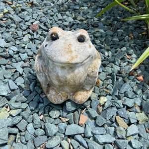 "Lot # 310 Adorable Frog Garden Figurine 7"""