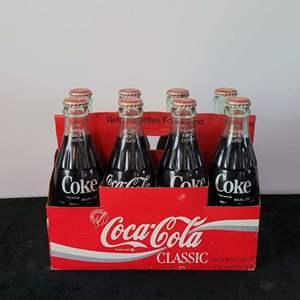 Lot # 52 Vintage 1986 CocaCola 8pk