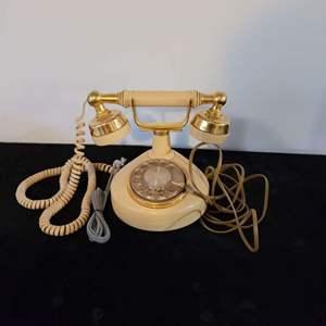 Lot # 85 Vintage Western Electric Telephone