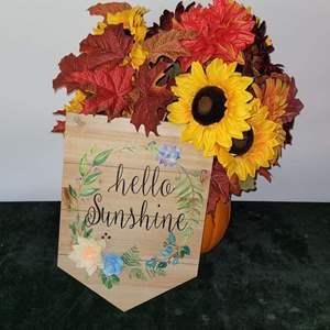 Lot # 102 Beautiful Fall Flower Bouquet & Sign