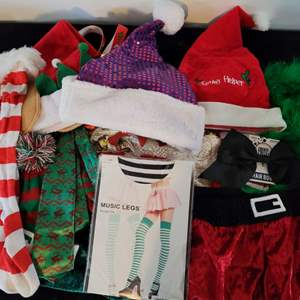 Lot # 104 Christmas Hats, Gloves, Stockings & More