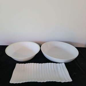 Lot # 138 (2) Serving Bowls & Platter