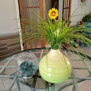 Lot # 159 Gourd Shaped Vase & Mini Light Display Globe