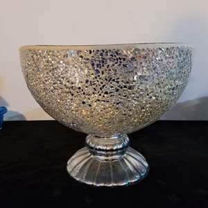 "Lot # 230 Mosaic Mirrored Decorative Centerpiece Bowl 10"""