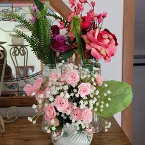 Lot # 261 (3) Faux Flower Bouquets