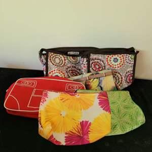 Lot # 275 (6) Makeup Bags