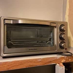 Lot # 311 Hamilton Beach Toaster Oven