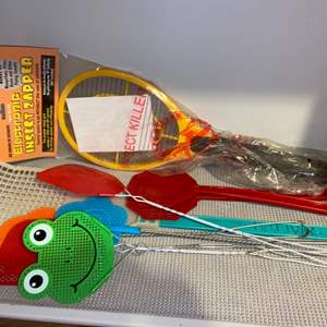 Lot # 319 Fly Swatters