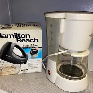 Lot # 324 Hamilton Beach Mixer & Kitchen Gourmet Coffee Maker