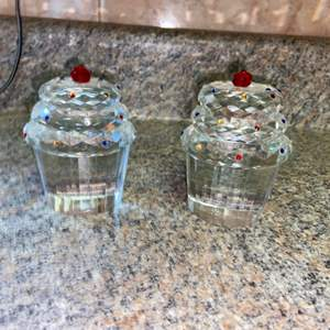 Lot # 431 Simon Designs Crystal Cupcake Paperweights