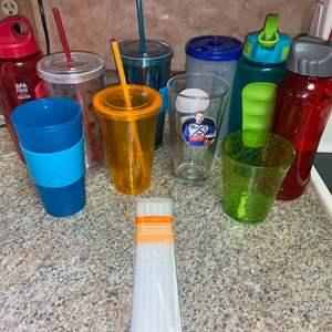 Lot # 449 Plastic Drinking Cups w/ Straws