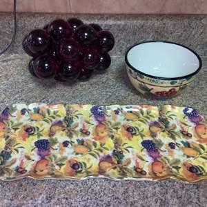Lot # 450 Glass Grapes, Bowl & Platter