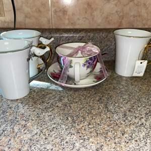 Lot # 466 Pretty Coffee Mugs and Teacup Set
