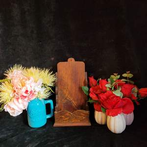 Lot # 507 Assorted Faux Flowers & Wood Message Holder