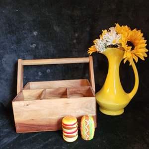 Lot # 510 Condiment Holder, Salt & Pepper Shakers & Sunflower Bouquet