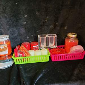 Lot # 513 Assorted Candles