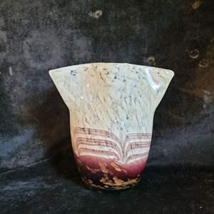Lot # 548 Gorgeous Blown Glass Vase