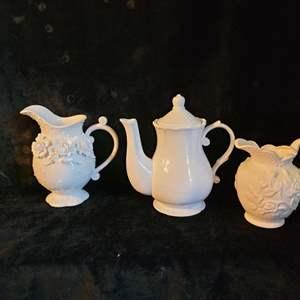 Lot # 557 (2) Pitchers & Tea Pot