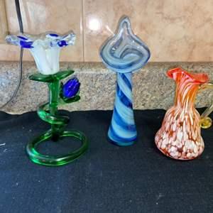 Lot # 587 Decorative Glass Pieces