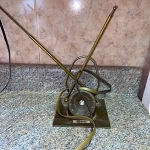 Lot # 610 Vintage Gavin Antenna
