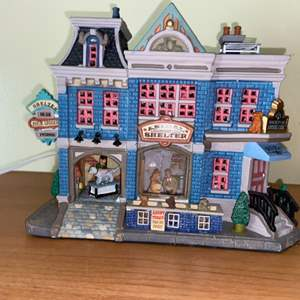 Lot # 631 Carole Towne Animal Shelter Lighted Christmas House