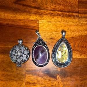 Lot # 652 (3) Beautiful Pendants
