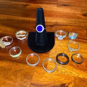 Lot # 661 (11) Rings