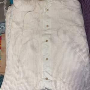 Lot # 684 Queen Size Comforter