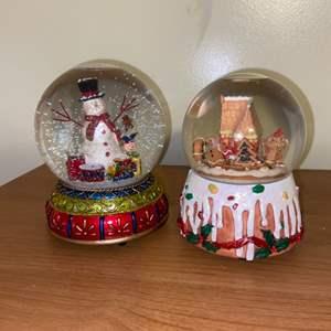 Lot # 693 Christmas Snow Globes