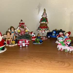 Lot # 694 Festive Ornaments & Knickknacks