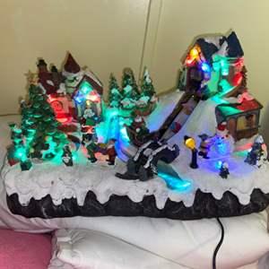 Lot # 699 Christmas Light Up Display