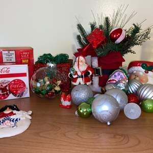 Lot # 712 Christmas Misc