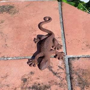 Lot # 802 Cast Iron Lizard - Garden Bling!