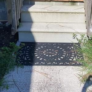 Lot # 803 Outdoor Rubber Mat