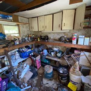 Lot # 826 Assorted Garage Items (Everything You See in the Pictures)