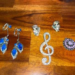 Lot # 865 Monet Charm, Pendant & Earrings