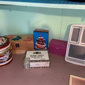 Lot # 883 Decorative Ice Bucket & Boxes