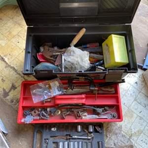 Lot # 907 Tool Box w/ Contents