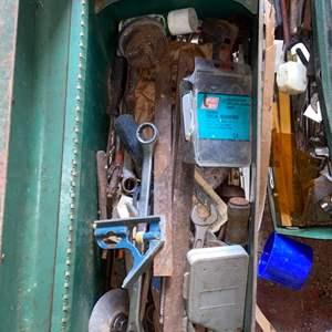 Lot # 916 Toolbox & Tools