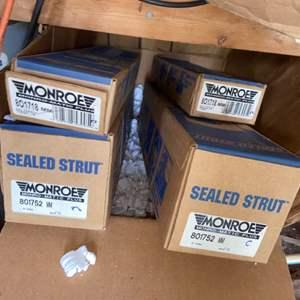 Lot # 922 (4) Boxes Sealed Struts