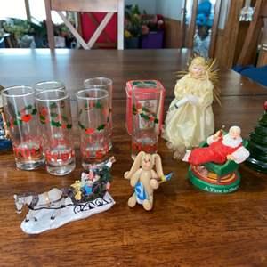 Lot # 941 Holiday Glasses & Decor