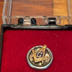 Lot # 966 Freemason Masonic Pin