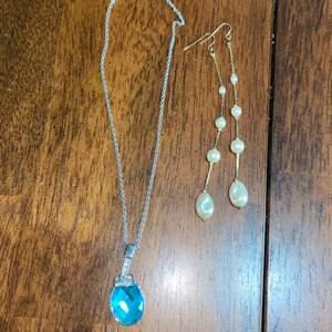 Lot # 971 Beautiful Necklace & Dangling Earrings
