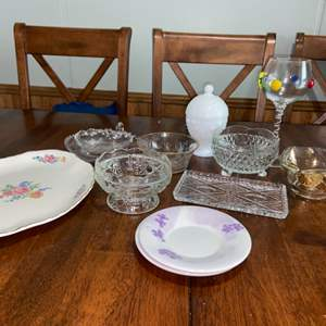 Lot # 986 Assortment of Kitchen Wares